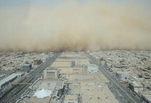 Песочната бура беснее во хоризонтот