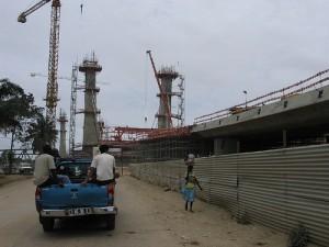 Новиот мост во Катумбела, фотографија од корисникот jlrsousa на Flickr, објавена под Криејтив Комонс лиценца